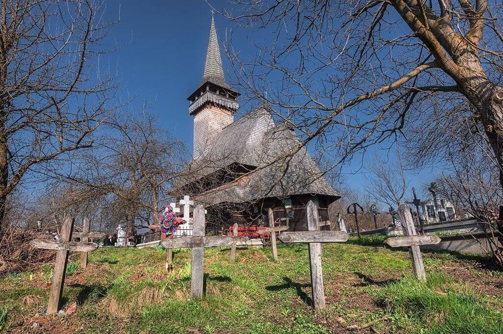 biserica_de_lemn_sugatag