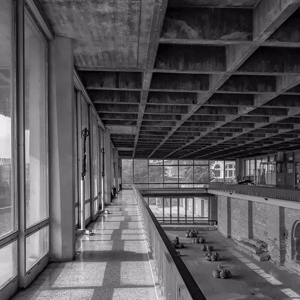 edificiul_cu_mozaic