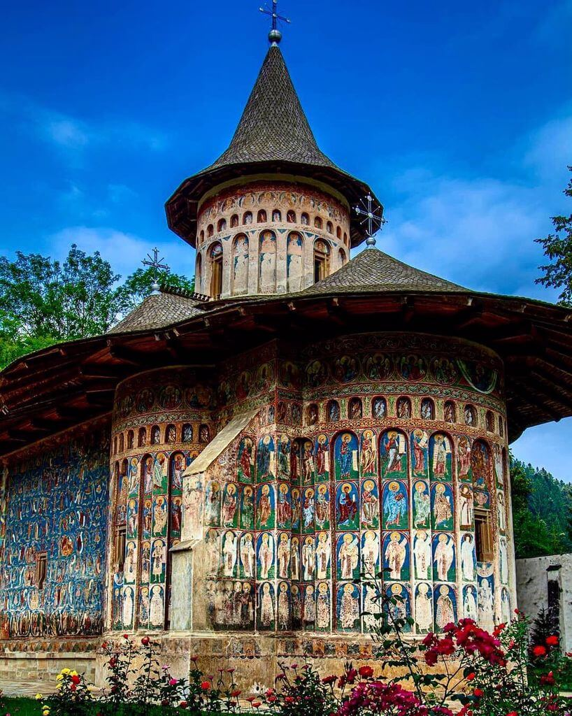 manastire_voronet